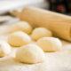 Ensinando crianças a cozinhar na escola de culinária do Loblaws